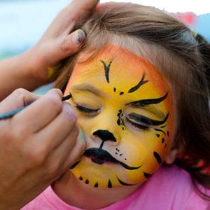 4370-mardi-gras-attention-au-maquillage-pour-enfants